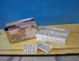 Domino (1)